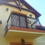 mały balkonik balustrada