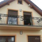 balustrada dużego balkonu