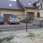 brama przed domem