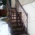 schody z balustradą